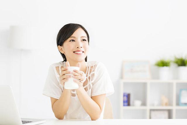 働く女性 自分への投資